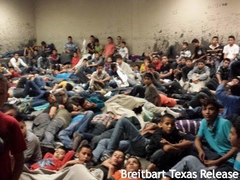 IMMIGRATION - Brandon Darby pic (illegal children crowded in detention center)